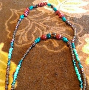 Jewelry - Wooden turquoise designs w/ red stone chips